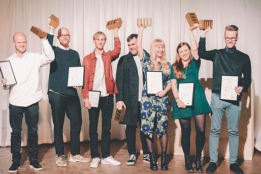 Viime vuoden voittajat palkittiin kultaisella 'The Brick' -pystillä.
