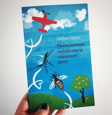 Graafikko Eevaliina Rusanen teki kirjailijan toiveiden mukaiset kannet Hellevi Hennon esikoisromaaniin Päivänkorento. Kuva Type & Tell.