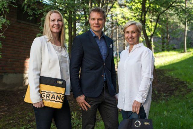 Kuvassa (vas) Granon Tiina Karppinen, Tikkurila Festavaalin perustaja, toimitusjohtaja Jan Grehn Mainostoimisto Vastavirrasta sekä Touchpointin Outi Luukko.