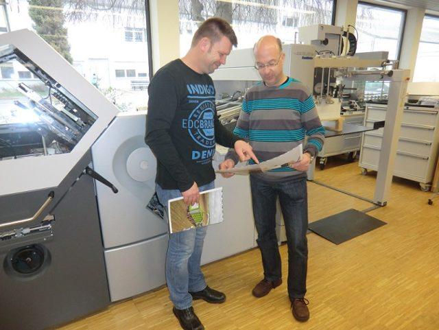 Uutta Stahfolder TH 82-P -taittokonetta on testattu Meinders & Elstermann -painotalossa Saksassa