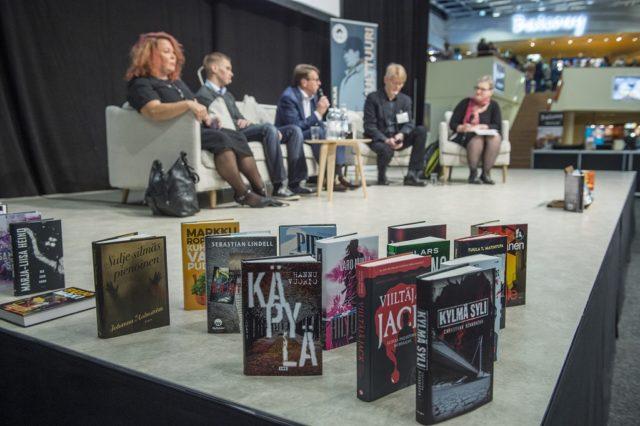 Helsingin Kirjamessuilla vieraili jopa 80 000 kävijää. Kuvassa Dekkarilauantai-ohjelma.