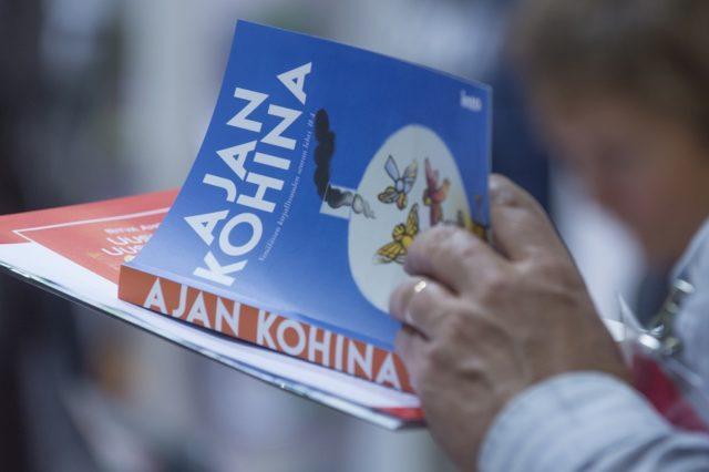Painettu kirja oli suosiossa Helsingin Kirjamessuilla 2015. Kuva Messukeskus.