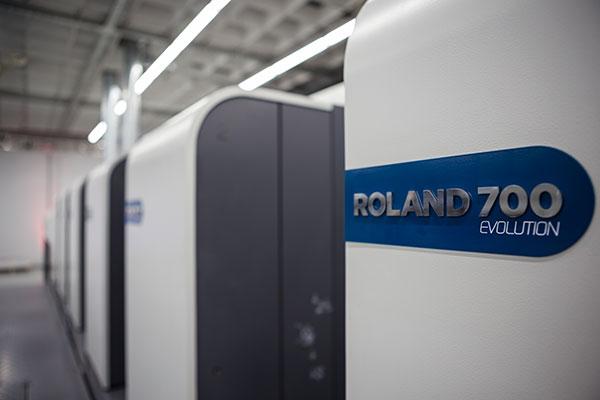 Virolainen OÜ Print on hankkinut kaksi Roland 700 -painokonetta.