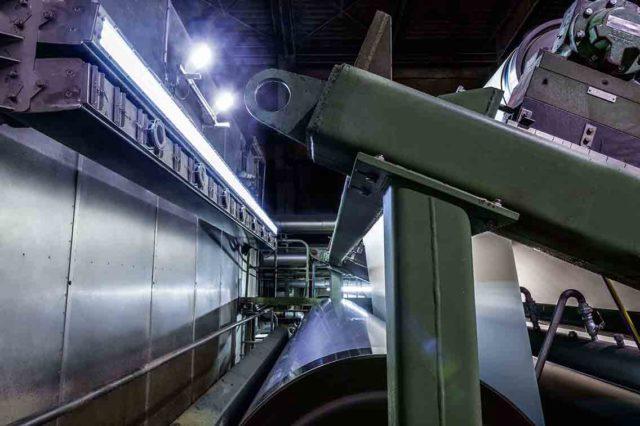 Procemexin kamerat valvovamassa paperikoneen tuotantolinjaa.
