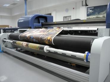 Screenin tasotulostimeen voidaan liittää rullasyöttöjärjestelmä.