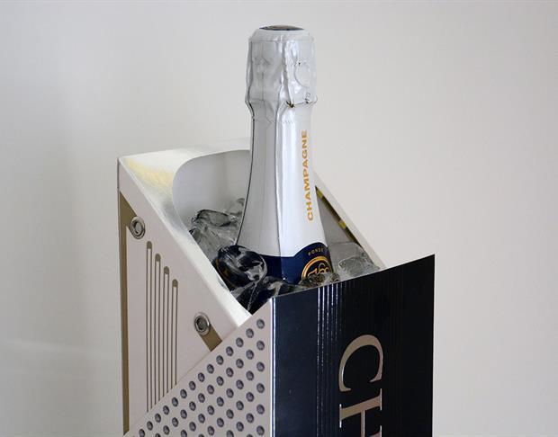 Luxe Pack-messuilla esitelty Innovatiivinen samppanjapakkaus toimii myös jäähdyttimenä. Kuva Stora Enso Packaging.