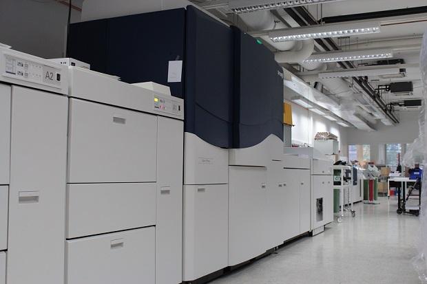 Unigrafian painosalissa Helsingissä on kaksi Igen-painokonetta.