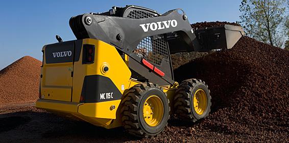 Brand ID:n tuotteilla on brändätty Volvon maansiirtokoneita. Kuva: Volvo.